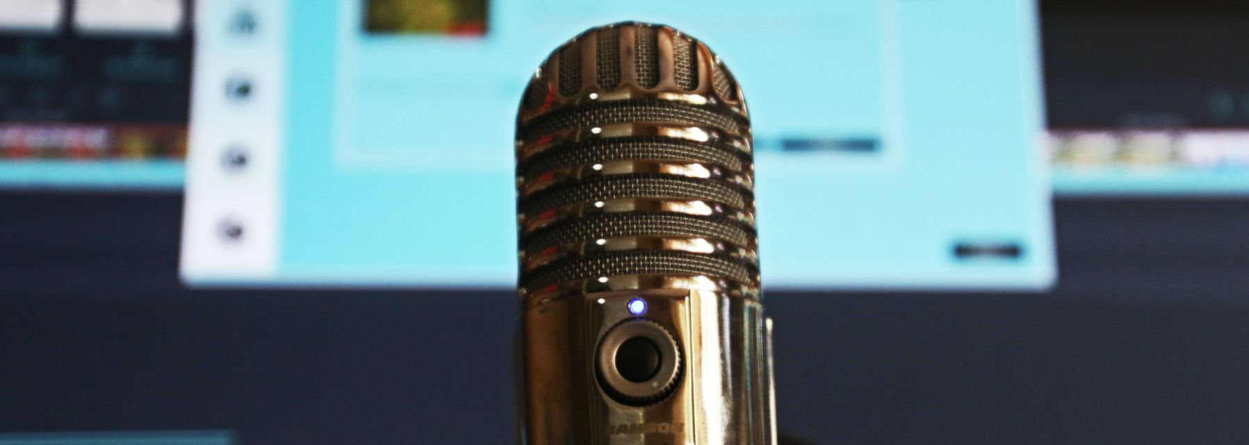 Microphone Recording Podcast