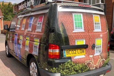 Mea Van Wrap Image 4